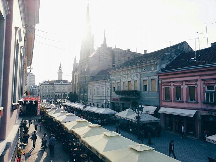 Dobar dan, Novi Sade!